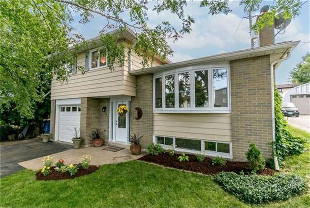 7 Brown St New Tecumseth Ryan Ahadian